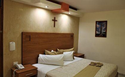 Hotel Elizabeth Central Suite