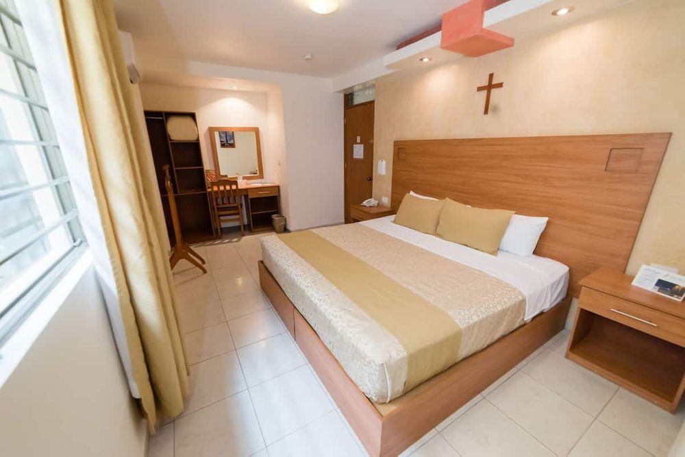 Hotel Elizabeth Central Single