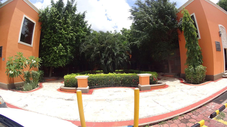 PALMARECA INN-SUITES-CONDO